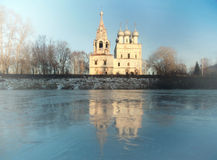 Church on the banks of the frozen Royalty Free Stock Photography