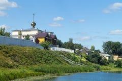 Church lago a terra al termine di anno di tempo fotografia stock