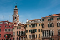 Church San Bartolomeo and old vinage houses on Grand Canal Stock Photography