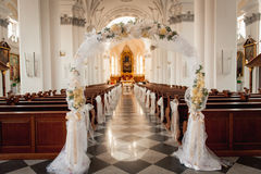 Church sanctuary before a wedding ceremony Royalty Free Stock Photos