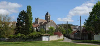 Church and village of Vetheuil in Val d Oise Stock Images