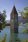 churchtower η λίμνη Στοκ φωτογραφίες με δικαίωμα ελεύθερης χρήσης