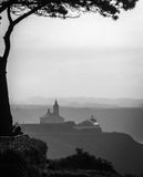 Churh et phare de Luarca photo stock