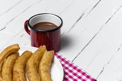 Churros с горячим шоколадом Стоковое Изображение RF