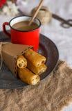 Churros avec le latte Photographie stock libre de droits