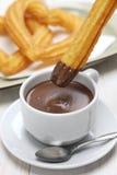 Churros et chocolat chaud, petit déjeuner espagnol Image stock
