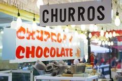 Churros i czekoladowego fritter typowy jedzenie w Walencja Fallas Obraz Stock