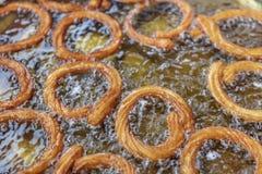 Churros turcos de Halka Tatlisi da sobremesa da rua imagens de stock royalty free