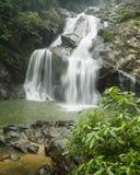 Chute de l'eau de Krung ching photos stock