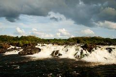 Chute de l'eau sur Cachamay Photographie stock libre de droits