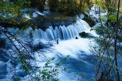 Chute de l'eau sur la vallée de Jiuzhaigou Photos stock