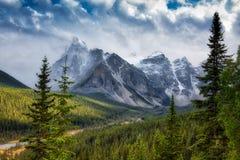 Chute de neige des Rocheuses de Canadien Photographie stock libre de droits
