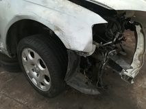Chute des véhicules à moteur, yard de chute de voiture photos stock