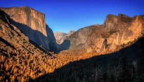 Chute en vallée de Yosemite Photo libre de droits