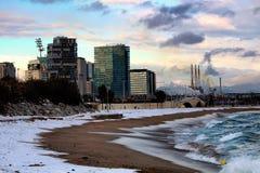Chutes de neige de plage de Barcelone photos stock