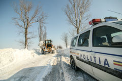 Chutes de neige sur la route Photographie stock