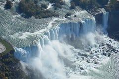 Chutes du Niagara aériennes Etats-Unis de tir Images libres de droits