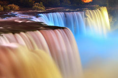 Chutes du Niagara en couleurs Images libres de droits