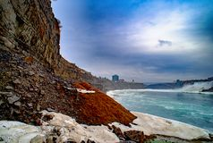 Chutes du Niagara entre les Etats-Unis d'Amérique et le Canada Image libre de droits