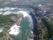 Chutes du Niagara et automnes américains images stock