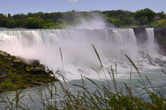 Chutes du Niagara, le 24 juin : Les Etats-Unis dégrossissent des chutes du Niagara photos stock