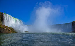 Chutes du Niagara prises à l'intérieur du bateau Photographie stock