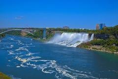 Chutes du Niagara prises à l'intérieur du bateau Photo libre de droits