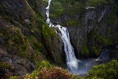 Chutes en montagnes de la Norvège après pluie image libre de droits