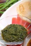 Chutney de Pudina ou sauce en bon état verte photos libres de droits