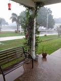 A chuva, chuva parte! Imagem de Stock Royalty Free