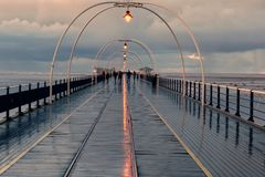 Chuva de Southport Pier After imagens de stock royalty free