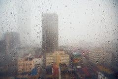 Chuva na cidade foto de stock royalty free