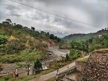 Chuva nas montanhas fotografia de stock