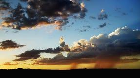 Chuva no horizonte foto de stock