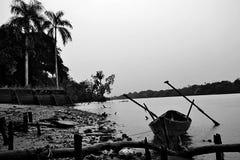 Chuva no rio foto de stock