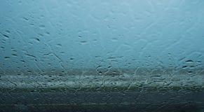 Chuva no vidro Fotografia de Stock