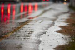Chuva pesada na estrada fotos de stock royalty free