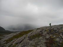 A chuva tormentoso de fiordes do ` s de Noruega fotografia de stock royalty free