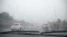 Chuva torrencial na estrada dos E.U. video estoque
