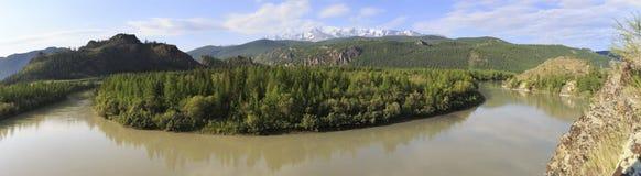 Chuya River and snow capped North Chuysky ridge Royalty Free Stock Photos