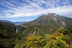 Chuzen籍湖、Kegon没有taki秋天和Mt 从Akechi大平索道观点看见的南台,日光,枥木,日本 免版税库存图片