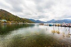 Chuzenji jezioro w jesień sezonie, Nikko, Japonia fotografia stock