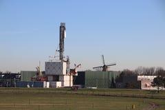 Chwilowa roślina w miasteczku potwór dokąd zaniechany stary gazu naturalnego pole zamyka niezmiennie unikać upadek metan obrazy royalty free