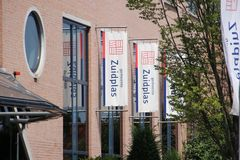 Chwilowy urząd miasta w Nieuwerkerk aan melinie Ijssel dla zarządu miasta Zuidplas w holandiach obraz royalty free