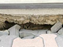 Chwyt pod budynkiem od landslice Obrazy Stock
