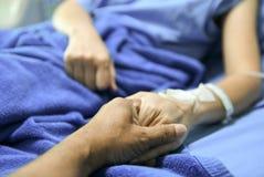 Chwyt ręki zachęcać pacjenta obrazy stock