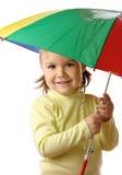 chwytających dziecka ślicznych raindrops parasolowy poniższy Zdjęcie Stock