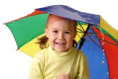 chwytających dziecka ślicznych raindrops parasolowy poniższy Obraz Royalty Free