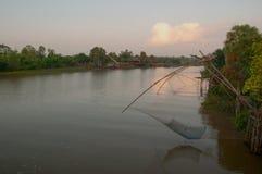 Chwytająca ryba z fishnet na talanoi, pattalung Tajlandia Fotografia Stock