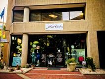 Chybienie Pewny siebie butik, główna ulica, Kolumbia, Południowa Karolina obraz royalty free